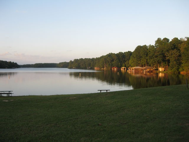 scenic lake greenbriar nearby.