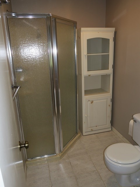 master shower, vanities in a separate room