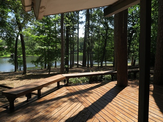 deck view to lake